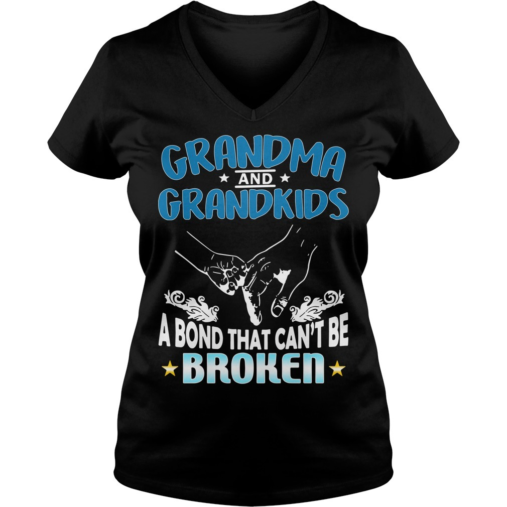 Grandma and grandson a bond that can't be broken V-neck T-shirt