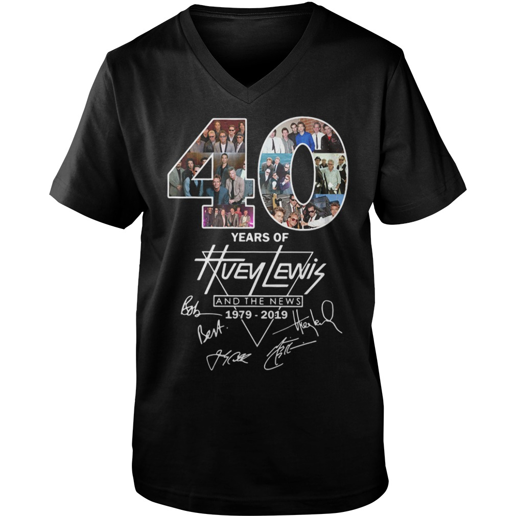 40 Years of Huey Lewis and the news 1979-2019 signature Guys V-neck