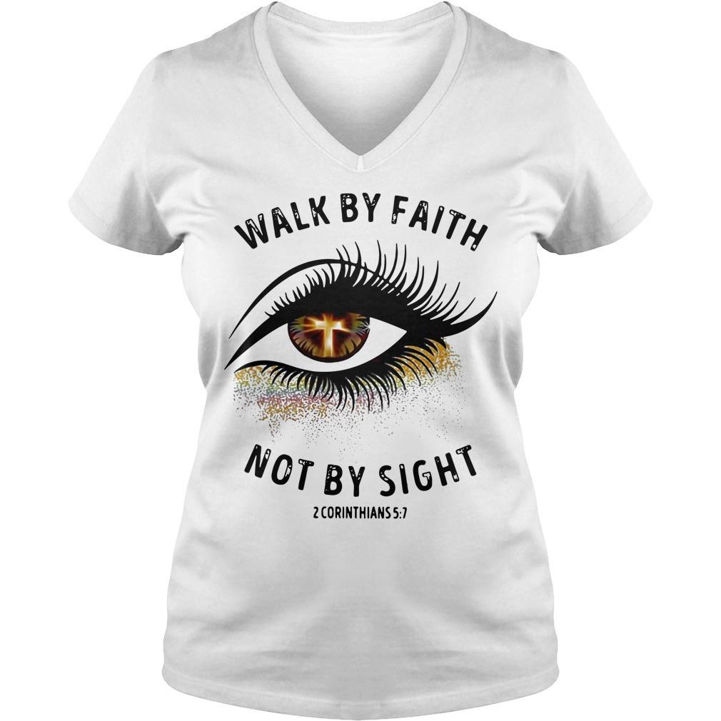 Cross eye walk by faith not by sight 2 corinthians V-neck T-shirt
