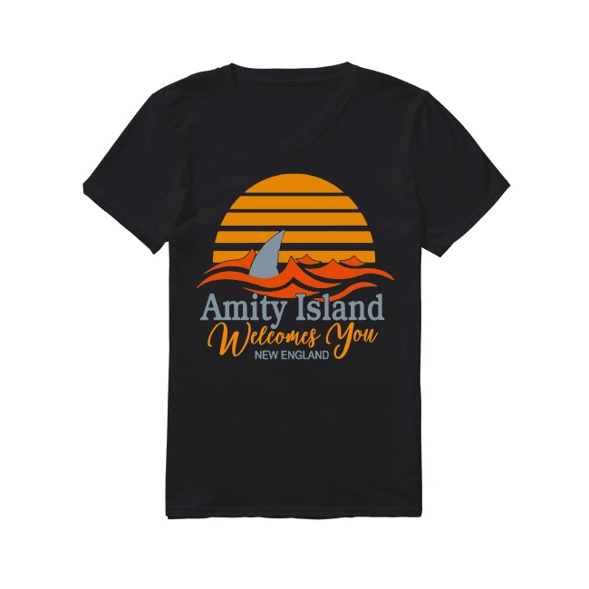 Amity Island welcomes you New England Quint's Shark fishing sunset V-neck T-shirt