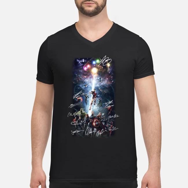 Marvel Avengers Infinity War all characters poster signature V-neck T-shirt