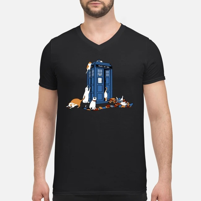 Tardis Cats Around Police Box Doctor Who V-neck T-shirt