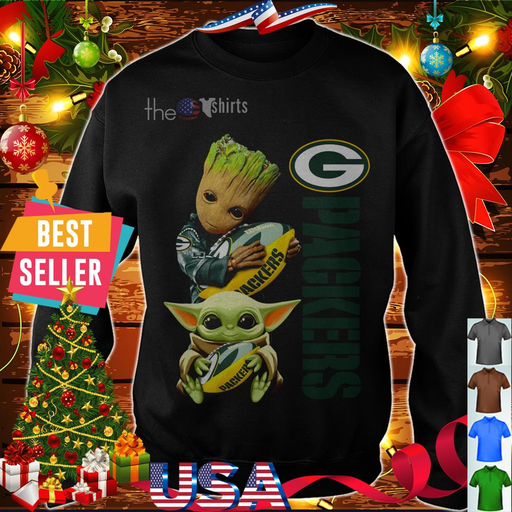 Baby Groot and baby Yoda hug Green Bay Packers shirt
