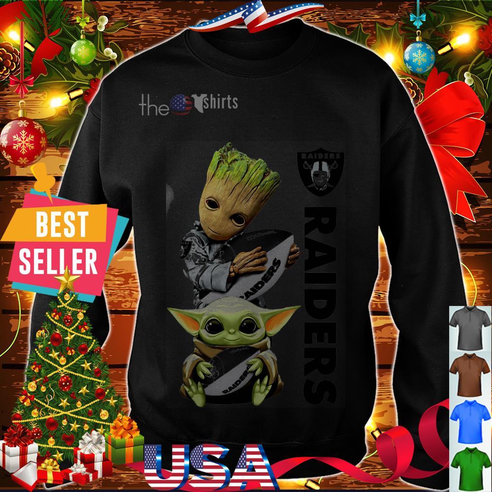 Baby Yoda and Baby Groot hug ball Oakland Raiders shirt